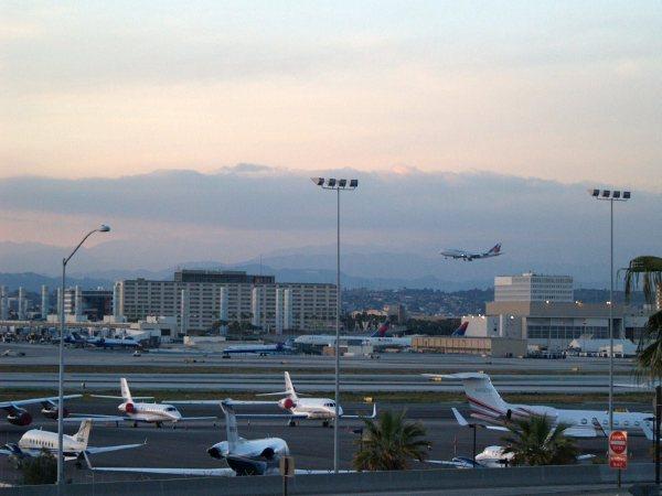 Plane Spotting Lax